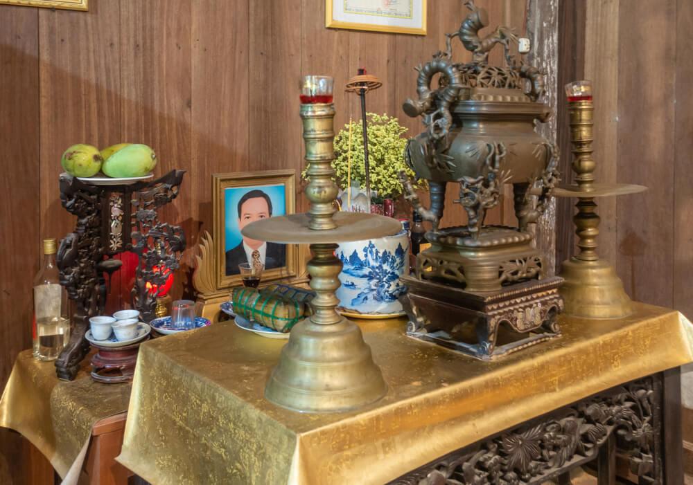 Altar para los Ancestros [Guía para el Culto, los Altares, las Ofrendas y el Ritual para los Muertos Ancestrales]